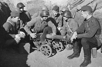 PM M1910 - Image: RIAN archive 668428 Brigade commissar Veselov trains soldiers