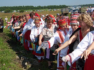 Mordvin Native Religion - Mordvin women taking part in Rasken Ozks celebrations.