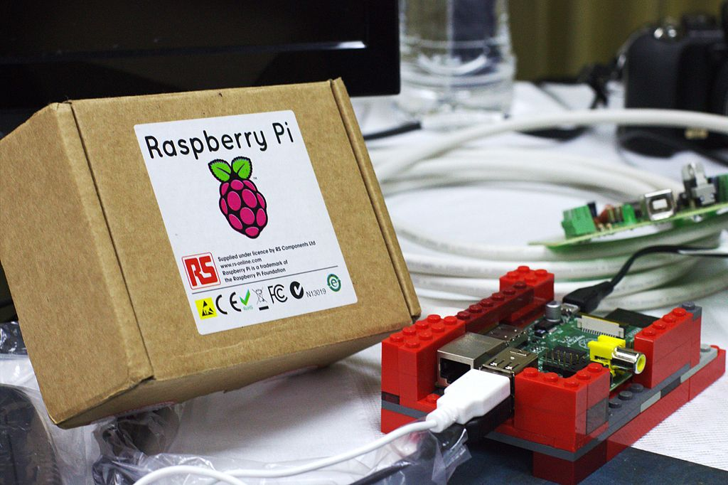 By Ayaita (Own work) [CC BY 3.0 (http://creativecommons.org/licenses/by/3.0)]Raspberry Pi Computer, photo by By Ayaita (Own work) [CC BY 3.0 (http://creativecommons.org/licenses/by/3.0)], via Wikimedia Commons