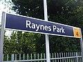 Raynes Park stn signage 2010.JPG