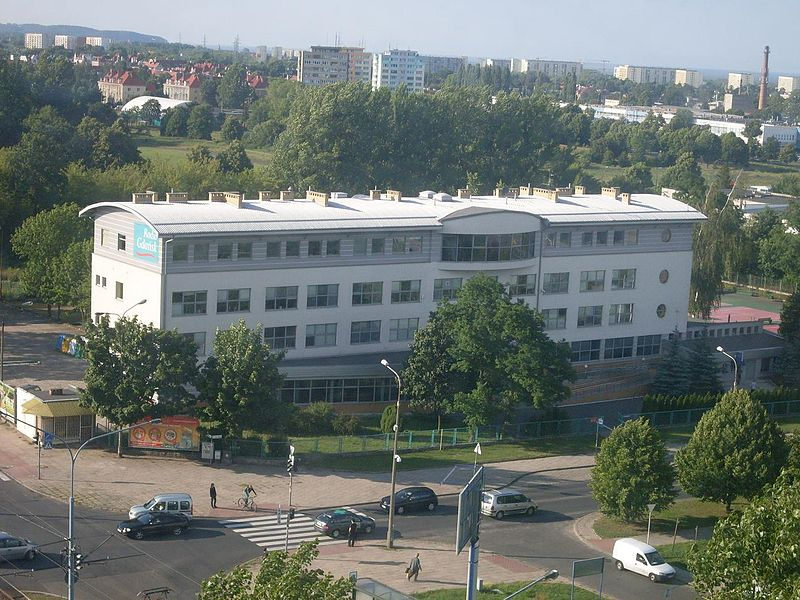 Plik:Rectorate of Gdańsk University, birds-eye - zoom.jpg
