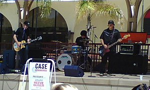 Reeve Oliver - Reeve Oliver performing at San Diego State University, April 2007. Left to right: Sean O'Donnell, Brad Davis, and O.