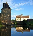Reflets de l'église et du château d'Anizy.jpg