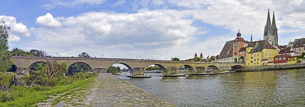 Regensburg - Steinerne Brücke - Panorama I