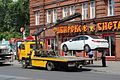 Renault Latitude getting towed away in Tomsk.JPG