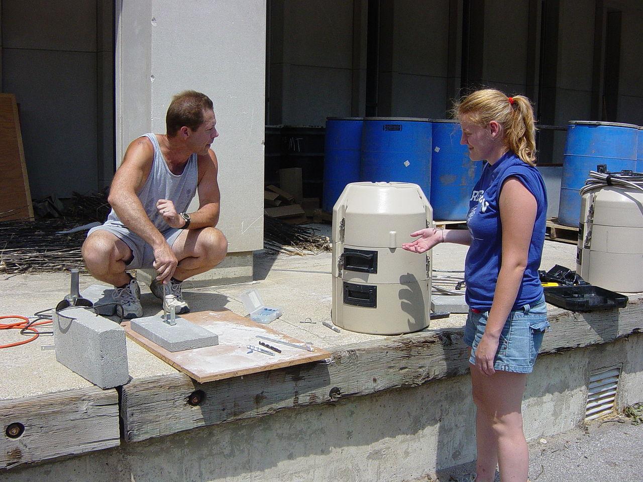 File:Research- water sampling equipment jpg - Wikimedia Commons
