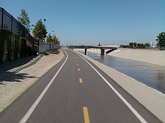 Rio Hondo bicycle path - Rio Hondo bike path at San Gabriel Blvd