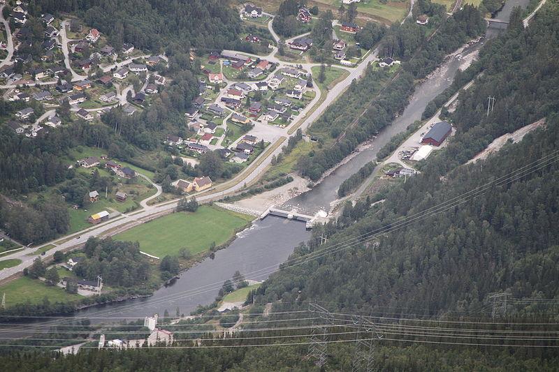 File:Rjukan dalsgrende moflaat kraftstasjon IMG 9977 maana river.JPG