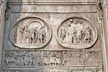 Raffigurazione dell'assedio di Verona da parte delle truppe di Costantino I, dal fregio costantiniano del lato sud dell'Arco di Costantino a Roma. Nel rilievo di destra appaiono le mura che inglobavano l'Arena, che però non è visibile.