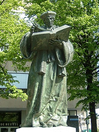 Erasmus - Bronze statue of Erasmus in Rotterdam. It was created by Hendrick de Keyser in 1622, replacing a stone statue of 1557.