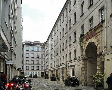 Paris cabinet
