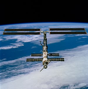 STS-97 - Taken from ''Endeavour'' on 9 December 2000 shortly after undocking. The new solar arrays are visible at the top.