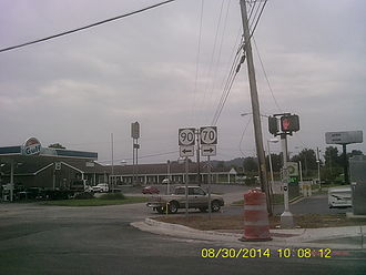 Kentucky Route 70 - Kentucky State Highway 70's intersection with KY 90 at Cave City, Kentucky