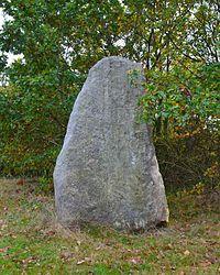 Saint-Brevin-les-Pins - Menhir du Plessis-Gamat (1).jpg