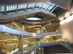 Saint-Lazare (Paris Métro) - Image: Saint Lazare 5 Salle echang