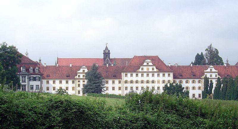 FEDERIKA DE HANNOVER 800px-Salem_Schloss_Suedseite