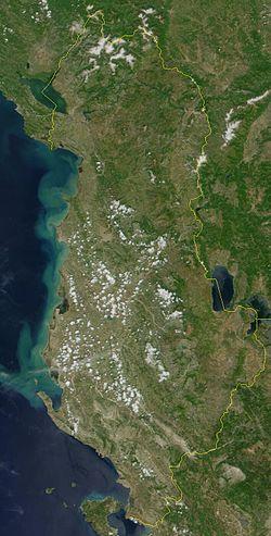 ((ألبانيا))  250px-Satellite_image_of_Albania_in_June_2000.jpg