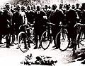 Septembre 1921, les trois premiers vainqueurs de Paris-Brest-Paris (G. à D. Garin, Terront et Georget).jpg