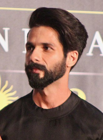 Shahid Kapoor - Kapoor at the 2017 International Indian Film Academy Awards