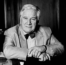 Sir Peter Ustinov portrait Allan Warren.jpg