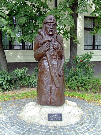 Zoltán of Hungary - Zoltán's statue in Solt (Hungary)