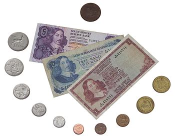 English: Older banknotes and coins of South Af...