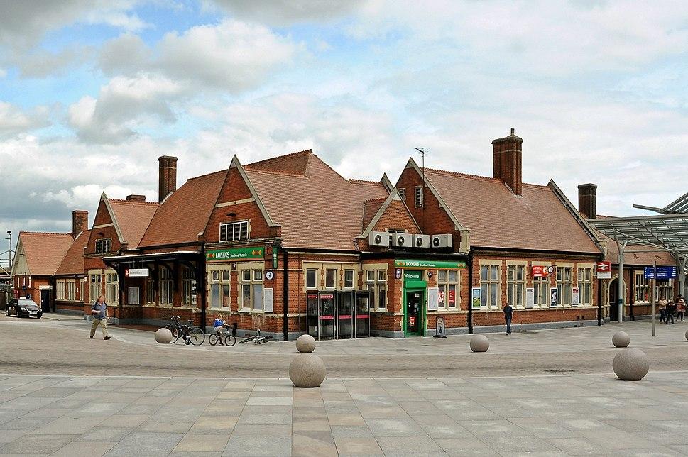 Southend Victoria railway station