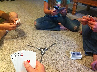 Spoons - Image: Spoons Card Game Start
