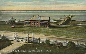 Southport, Queensland - Kiosk and jetty at Southport in the early 1900s.