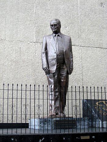 StatueFidelVelazquezDF