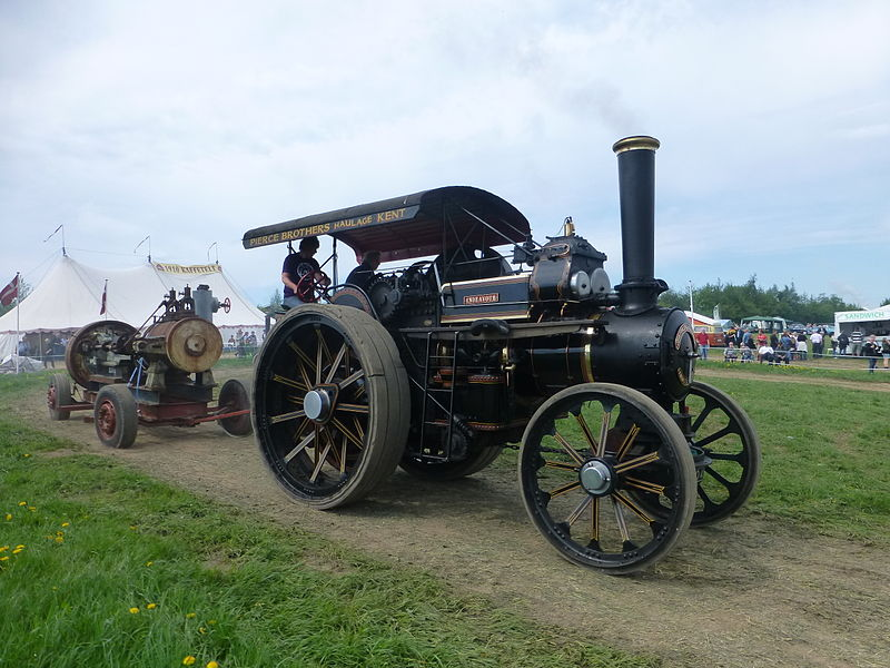 File:Steam-powered vehicles at Græsted Veterantræf 2013 06.JPG