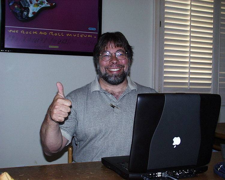 File:Steve Wozniak thumbs up.jpg