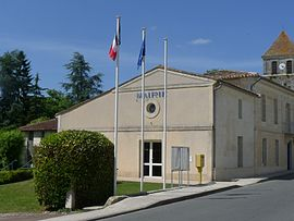 The town hall in Saint-Martin-du-Bois