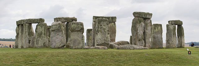 Stonehenge from north, August 2010, cropped.jpg