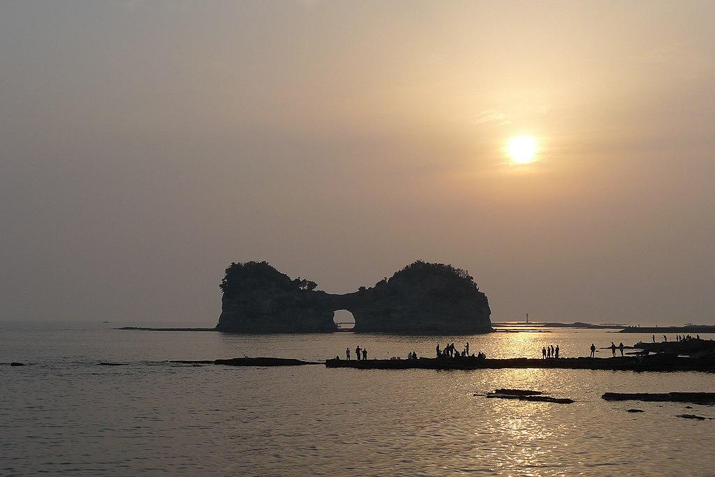 Sunset at Engetsu Island