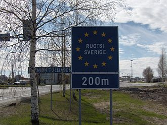 Tornio - Bilingual Finnish/Swedish sign showing 200 metres until entering Sweden from Finland, Tornio customs station (Tornion tulliasema)