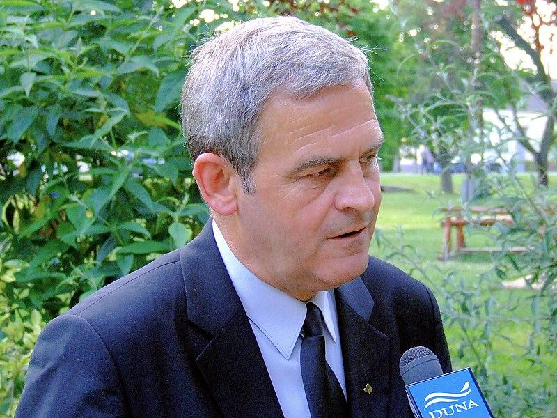 File:Tőkés László 2007.JPG