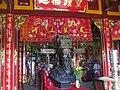 Tượng Thoại Ngọc Hầu trong đền thờ tại Sơn lăng.jpg