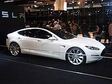 Il prototipo della Tesla Model S al Salone di Francoforte nel 2009