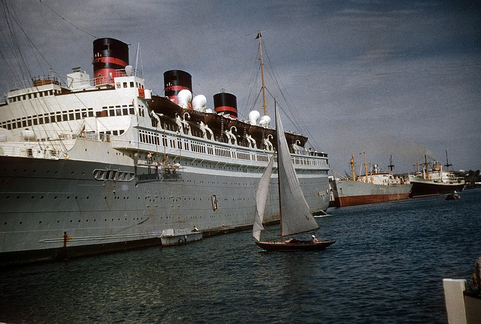 The Queen of Bermuda in Bermuda, late 1952 or very early 1953