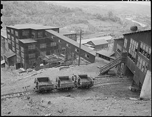 St. Clair, Pennsylvania - Image: The breaker plant. The St. Clair Coal Company, St. Clair Colliery, St. Clair, Schuylkill County, Pennsylvania. NARA 541528