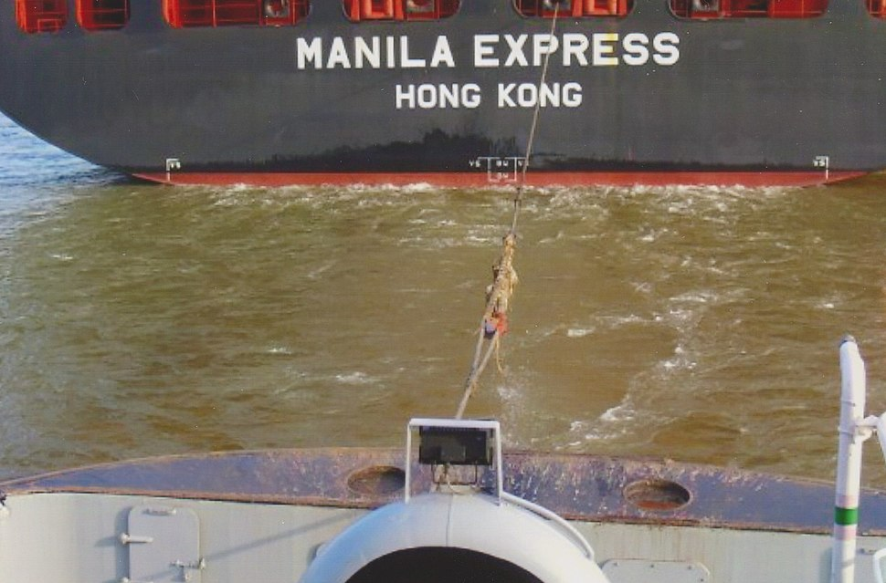 The stern tow rope is fixed to the container ship Manila Express, the drag is started