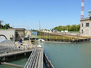 English: The Welland Canal's Lock 7 at Thorold...