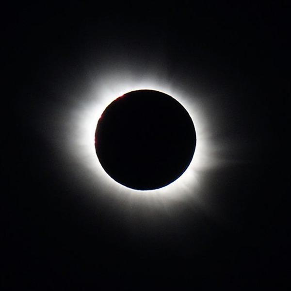 Total solar eclipse of March 20, 2015 by Damien Deltenre (licensed for free use). (32844461616)