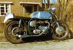 Featherbed frame - Triton. A Triumph 650 cc pre-unit engine and gearbox in a wideline Norton Featherbed frame