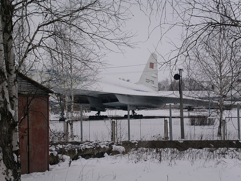 File:Tupolev Tu-144 (CCCP-77110) in Ulyanovsk Aircraft Museum (winter).jpg