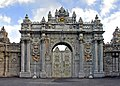 Turkey-3134 - Gate to the Dolmabahce Palace (2217265158).jpg