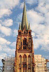 Turm von St. Peter in Duesseldorf-Unterbilk, von Norden.jpg