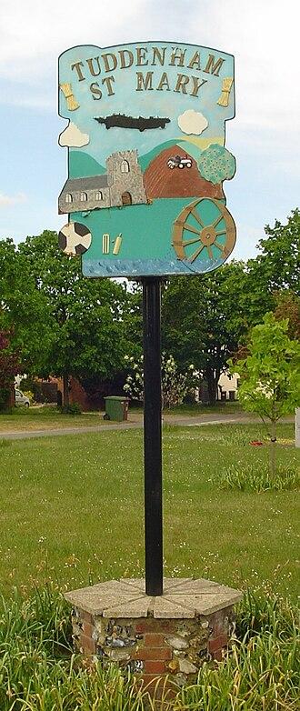 Tuddenham - Signpost in Tuddenham
