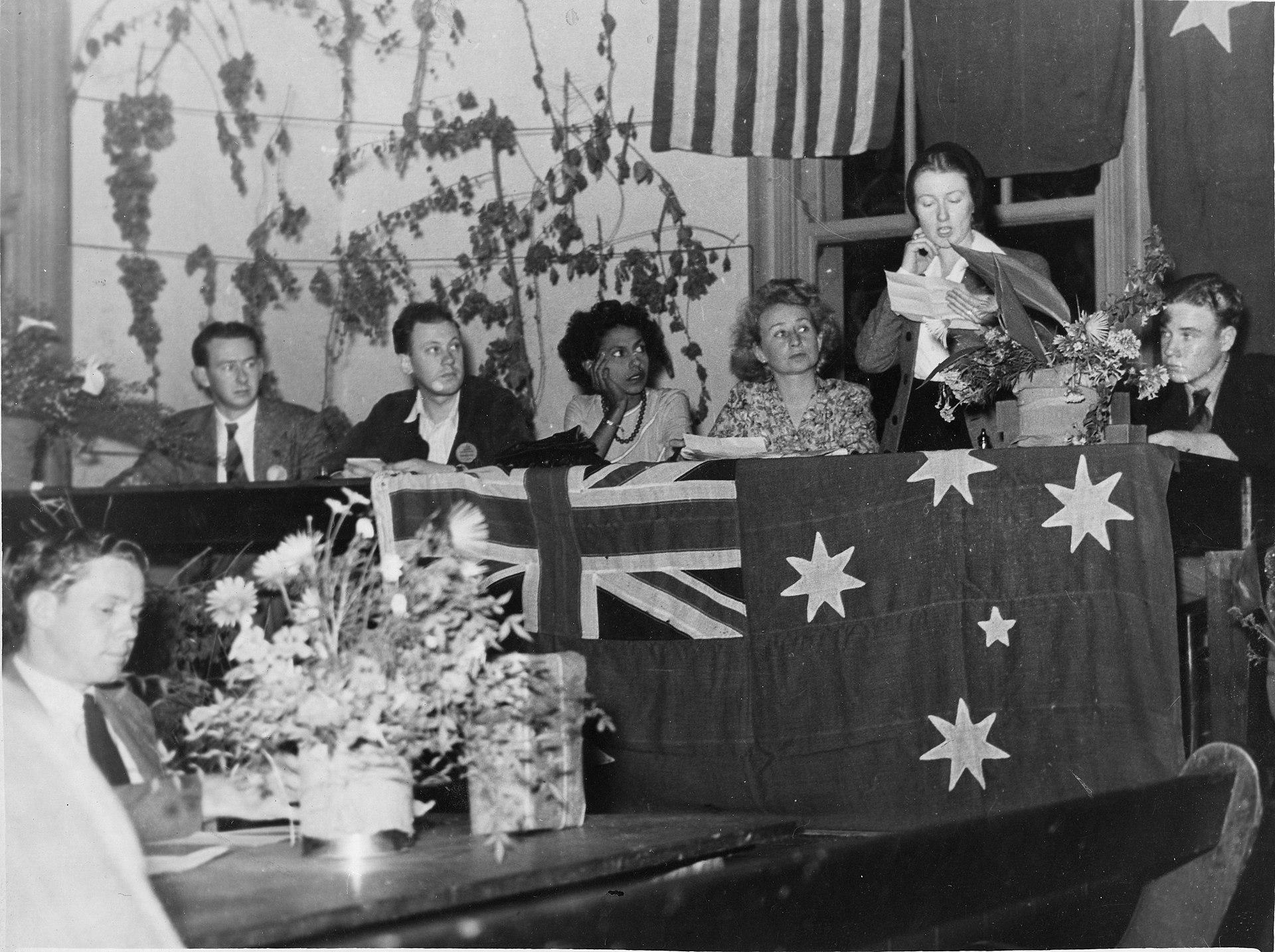 Australian Identity Through Poetry Essay